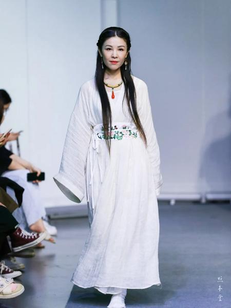 照本堂女装品牌2020秋季复古汉服白色连衣裙