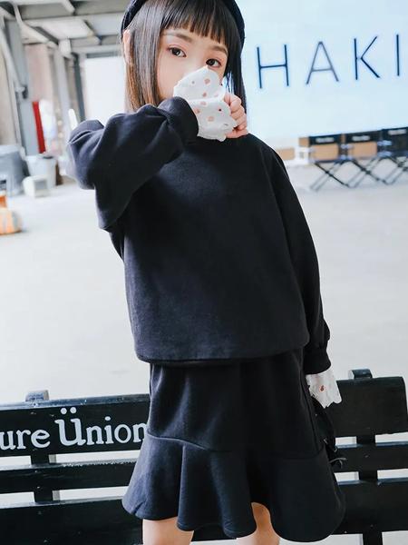 卡琪屋童装品牌2020秋季黑色卫衣长袖