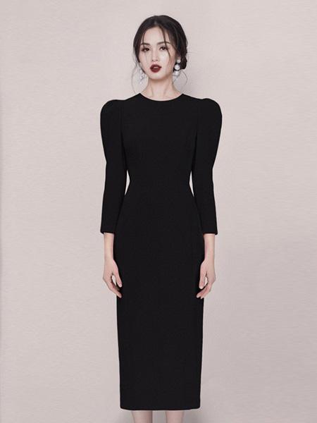 HEGO女装品牌2020秋季黑色纯色连衣裙修身