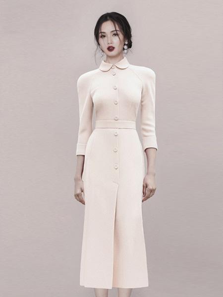 HEGO女装品牌2020秋季翻领米色修身连衣裙