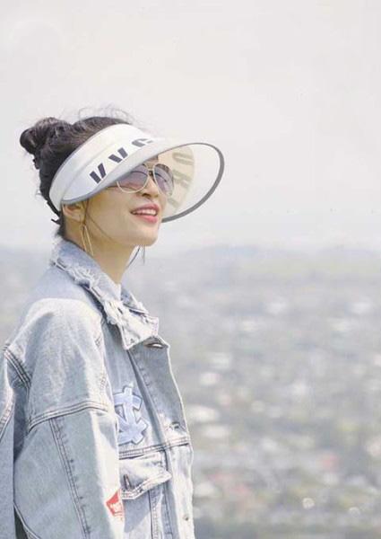 VVC鞋帽/领带品牌2020春夏字母米色防晒帽