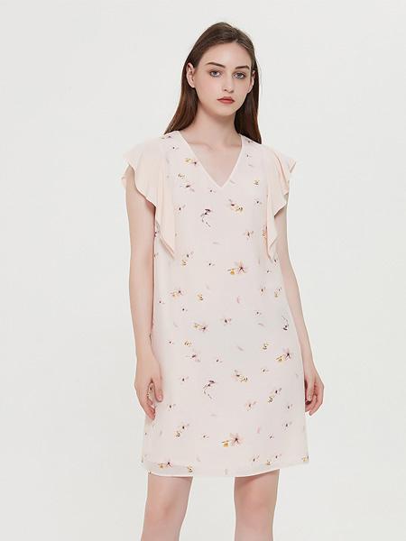 绕音女装品牌2020春夏RAOYIN绕音2020夏季新款女装 100%桑蚕丝粉色印花裙子 修身显瘦
