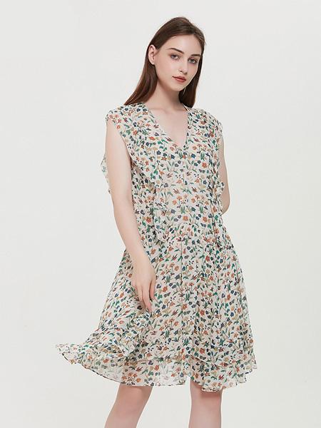 绕音女装品牌2020春夏RAOYIN绕音2020夏季新款女装 100%桑蚕丝碎花连衣裙宽松舒适女