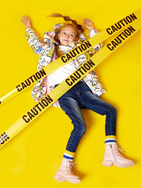 小猪班纳童装品牌2020秋季深蓝色牛仔裤