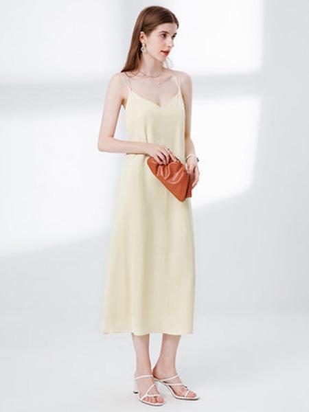 亦谷女装品牌2020春夏亦谷2020夏季新款开叉直筒吊带连衣裙子法式复古显瘦简约气质女潮