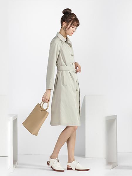 宋人女装品牌2020秋季浅绿色连衣裙