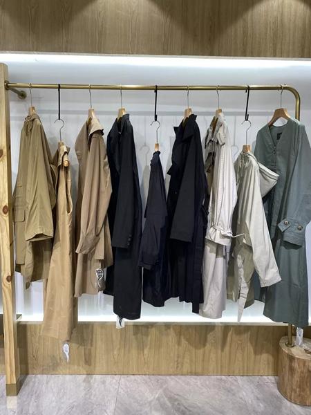 依兰慕语女装品牌2020秋冬风衣卡其色薄款风衣外套