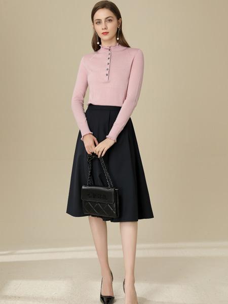 �垡郎�女�b品牌2020秋季粉色��衫
