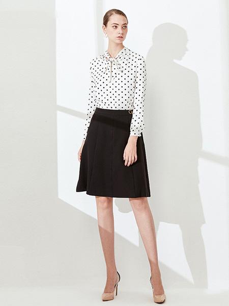 黛薇璐�w女装品牌2020秋季白色波点雪纺衫