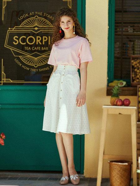 迷思概念女装品牌2020春夏圆领粉色T恤