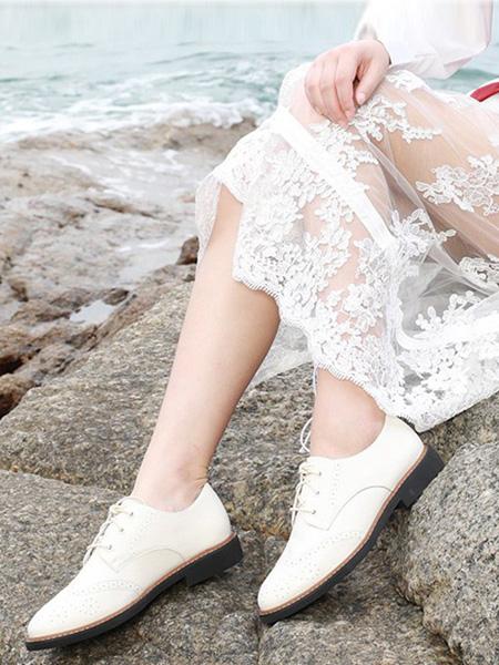 森达鞋帽/领带品牌纯白色皮鞋绳结