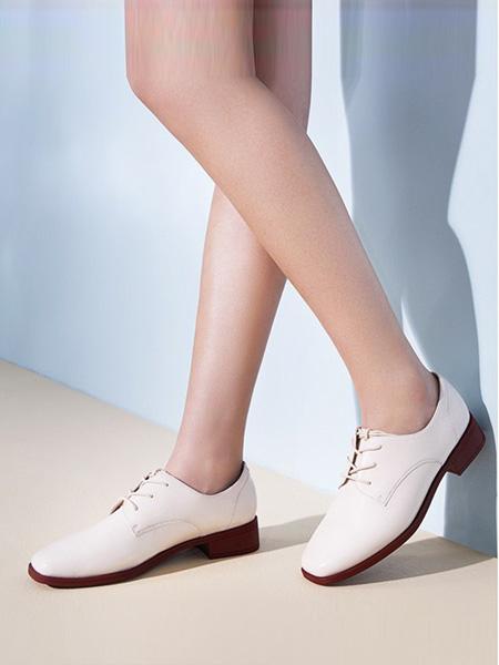 森达鞋帽/领带品牌白色咖色底皮鞋