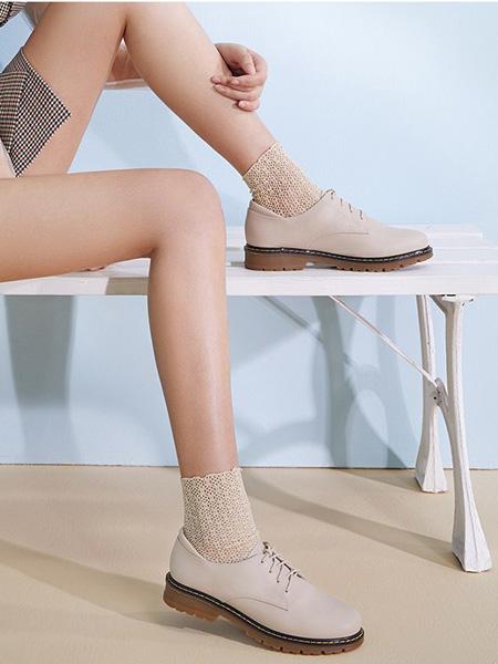 森达鞋帽/领带品牌米色小皮鞋