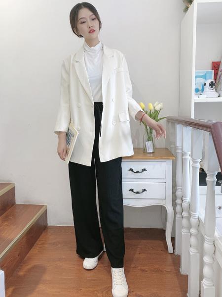 �n端女装品牌2020秋季中长款白色外套