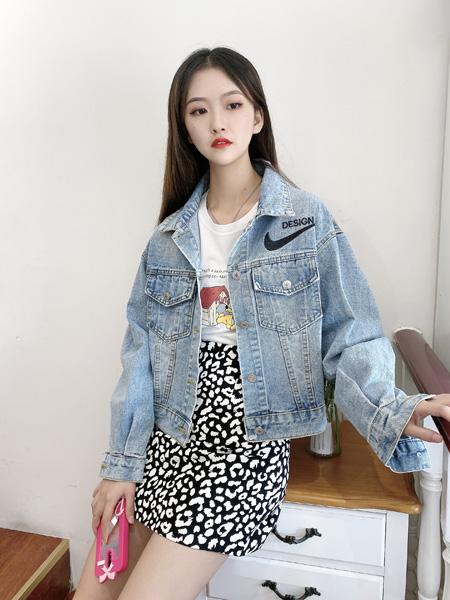 �n端女装品牌2020秋季蓝色牛仔外套