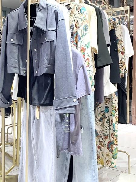 深圳品牌折扣女装一时令秋冬套装一手货源
