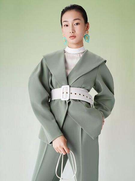 彩知丽CZHLE女装品牌2020秋季V领灰青色西装套装