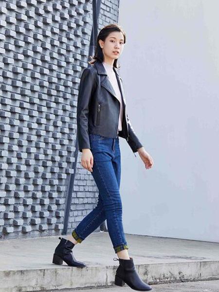 嘉彩女装品牌2020秋季黑色成熟皮衣