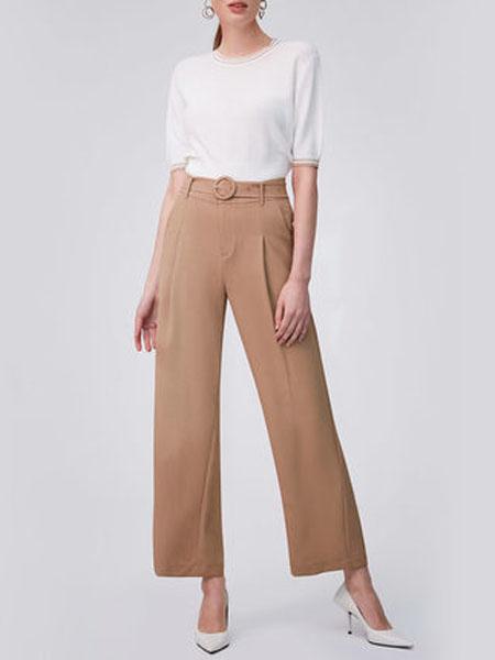 纳薇naivee女装品牌2020春夏naivee纳薇2020夏季新款职场法式圆领气质收腰白色针织衫小上衣女