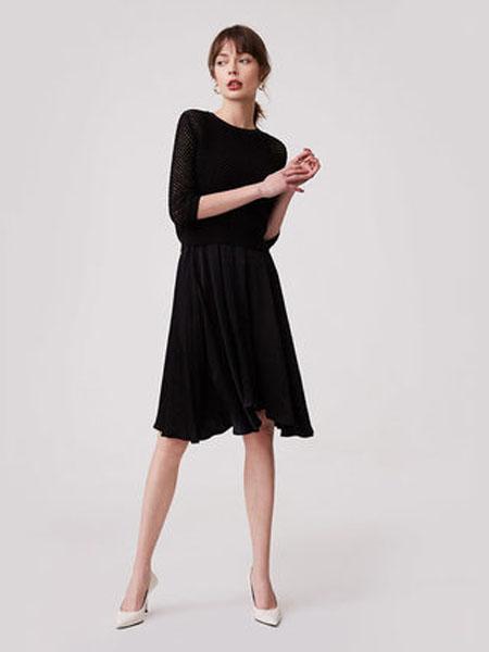纳薇naivee女装品牌2020春夏naivee纳薇2020夏季黑色性感镂空假两件罩衫针织衫修身收腰连衣裙