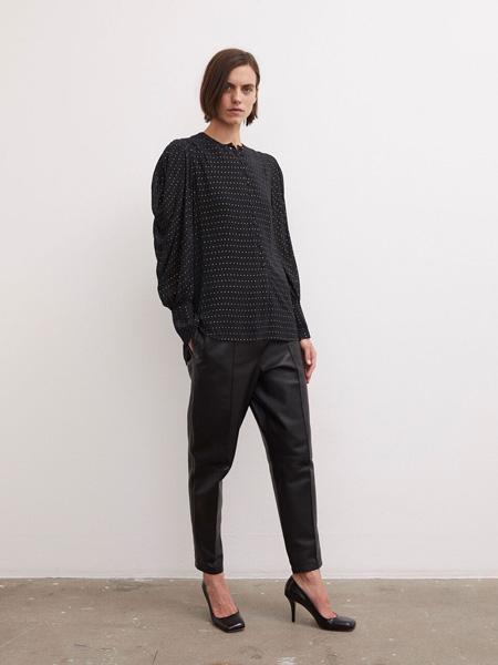 By Malene Birger玛莱娜·比格尔设计女装品牌2020秋季黑色斑点上衣