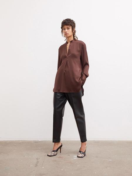 By Malene Birger玛莱娜·比格尔设计女装品牌2020秋季暗红色休闲上衣