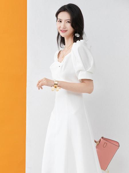 凝慧女装品牌2020春夏白色淑女连衣裙