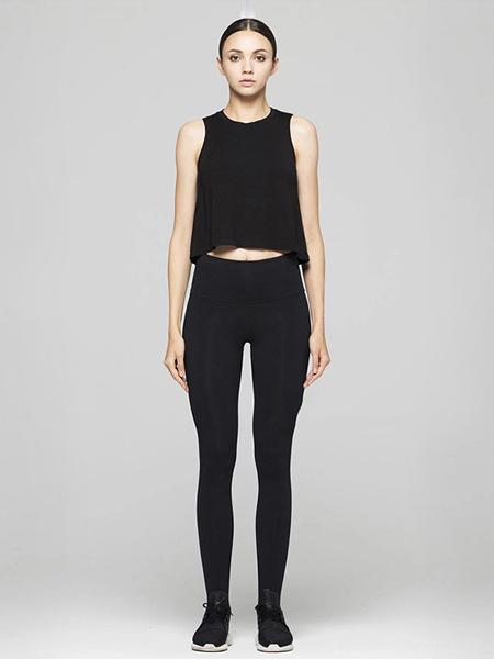 翱洛运动装品牌2020春夏黑色修身套装