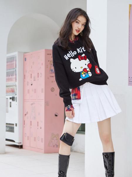 ONLY女装品牌2020秋季字母黑色卫衣