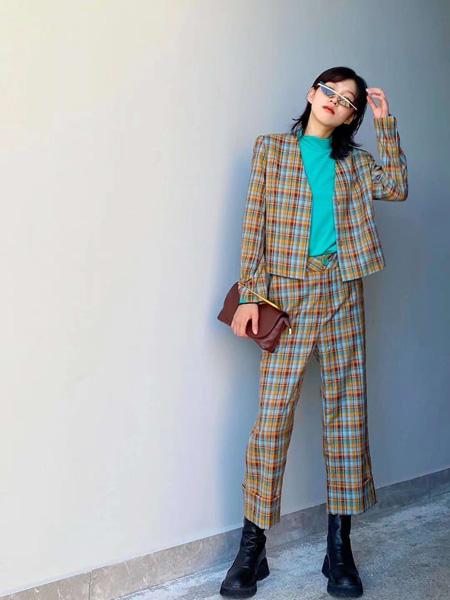 奕色女装品牌2020秋季时尚格子套装