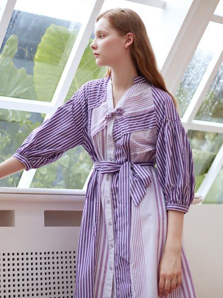 3ffusive女装品牌2020秋季紫色印花连衣裙