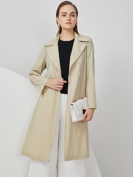 布伦圣丝女装品牌2020秋冬白色休闲风衣