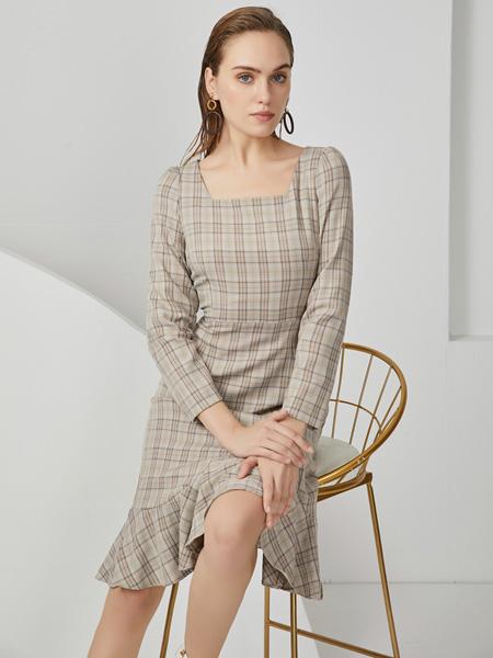 布伦圣丝女装品牌2020秋冬灰色格子连衣裙