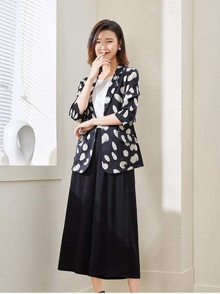 阿莱贝琳女装品牌2020秋冬黑色印花外套