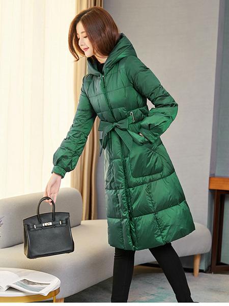 阿莱贝琳女装品牌2020秋冬绿色羽绒服
