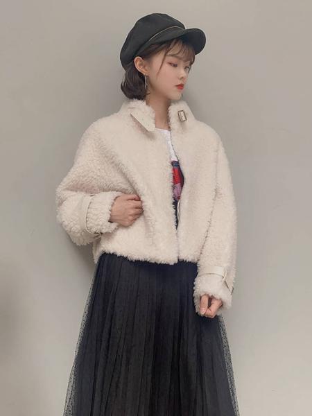 靓漫蒂女装品牌2020秋季白色休闲外套