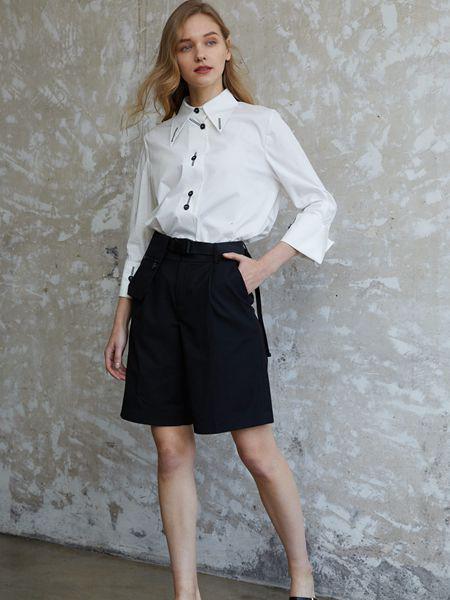 香影女装品牌2020秋季白色休闲上衣