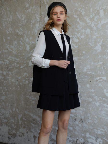 香影女装品牌2020秋季黑色时尚外套