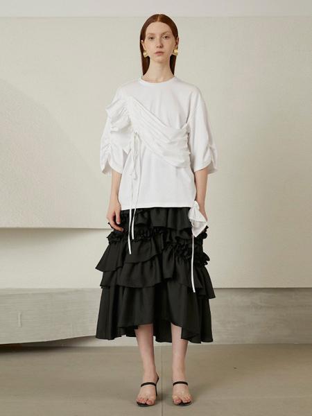 熙辰女装品牌2020秋季白色时尚上衣