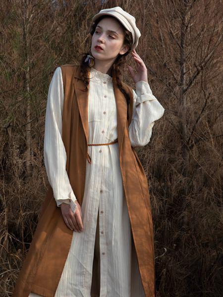 薇薇希女装品牌2020秋冬棕色无袖长款外套