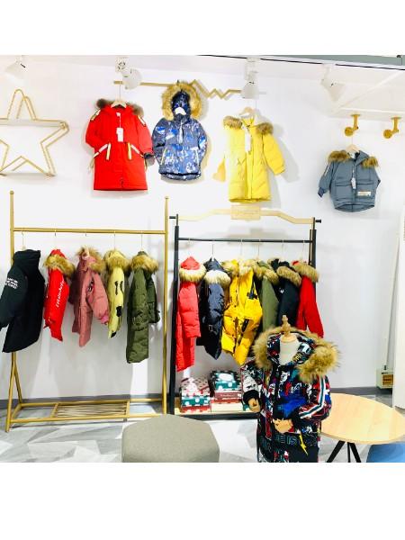 儿童冬款加厚羽绒服批发 品牌童装尾货货源
