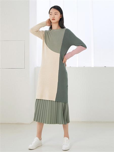艺之卉|EACHWAY女装品牌2020秋季时尚长款连衣裙