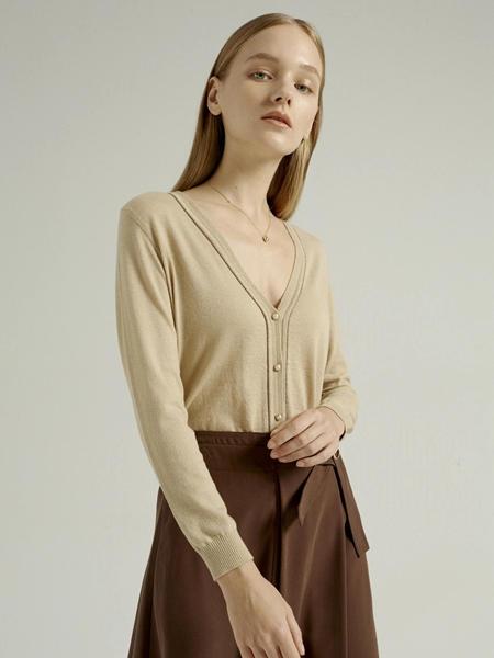 吉芬女装品牌2020秋季低胸衬衫