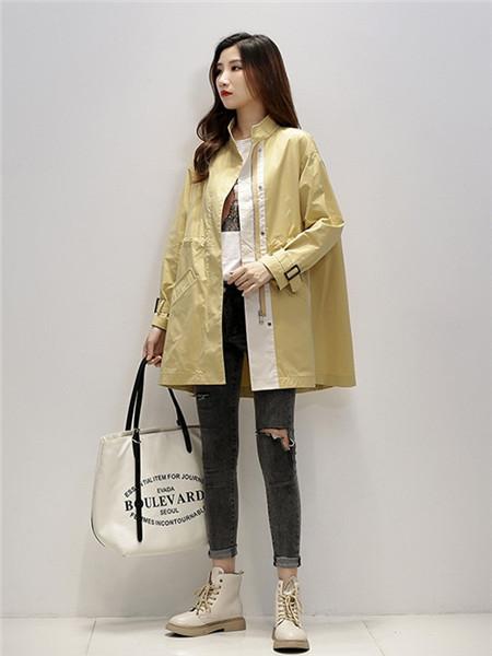 凯尔布拉迪女装品牌2020秋冬个性米黄外套