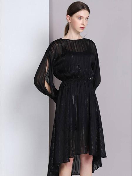 曈日女装品牌2020秋冬半透黑色连衣裙