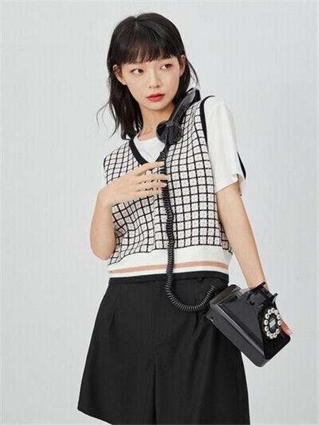 诗凡黎女装品牌2020秋冬潮流格子马甲