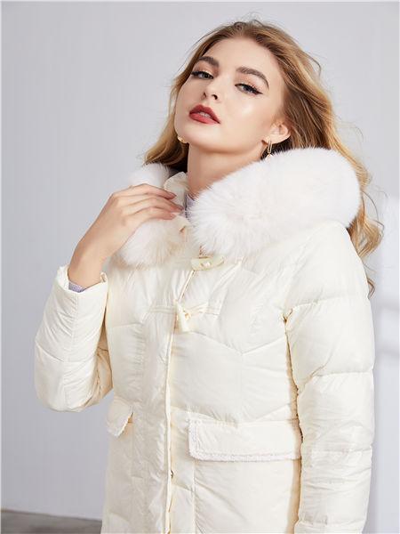 城市衣柜女装品牌2020秋冬白色保暖羽绒服