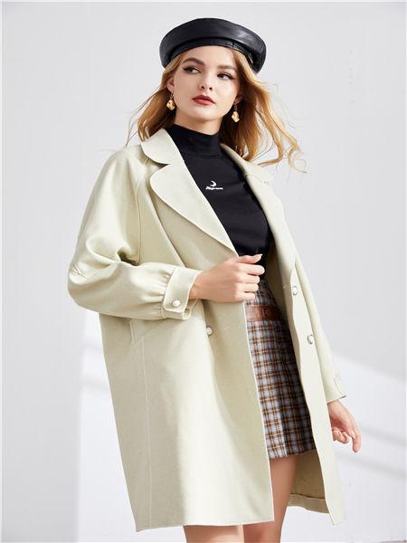 城市衣柜女装品牌2020秋冬潮流白色外套