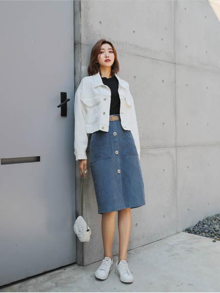 古米娜女装品牌彩38平台2020秋季牛仔半身裙