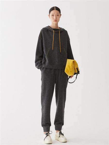 A U M  噢姆女装品牌2020秋冬灰色卫衣套装